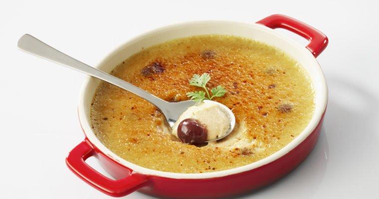 Crème brûlée au foie gras de canard et Griottines® servie glacée